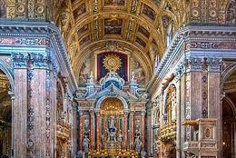 Visita guidata alla chiesa del Gesu nuovo, durante bike tours Napoli, by irentbike.it