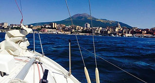 Bike tour in Boat&Bike nel golfo di Napoli in barca a vela, by irentbike.com