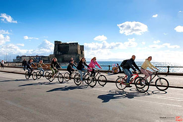 Tour with guided visit Castel dell'Ovo in Naples, by irentbike.com