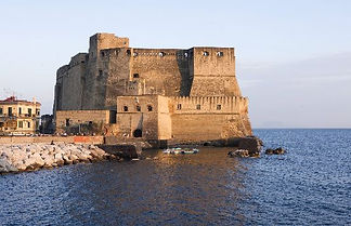 "Bike tours ""In giro per le Piazze di Napoli, visita del Castel dell'Ovo, by irentbike.it"