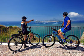 Bike tour Boat&Bike in sailing boat in the gulf of Naples, by irentbike.com