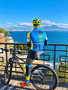 Bike tours, La scalata del Vesuvio , by irentbike.it