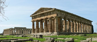 Paestum excavations visit during bike tour Le meraviglie del Golfo, by irentbike.it