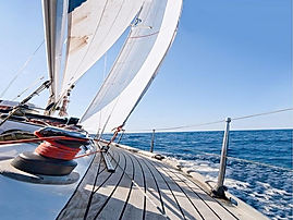 On a sailing boat in the Gulf of Naples and Salerno, by irentbike.com