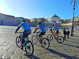 Bike tours Panoramic Naples, Piazza del Plebiscito, by irentbike.com