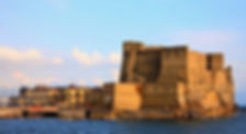 Bike tour and visit the Castel dell'Ovo, with irentbike.com