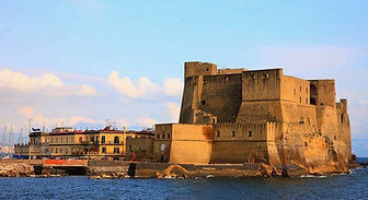 Bike tour and visit the Castel dell'Ovo,