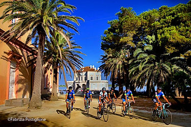 Campi_Flegrei_Casina_Vanvitelliana_Bike_tour_irentbike.com