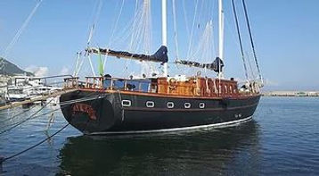 Sailing boat and bike tour perfect for the wonders of the gulf of Naples and Cilento, by irentbike.com
