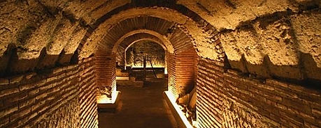 Bike tours and guided tour, underground naples, by irentbike.com