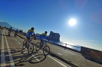 """Bike tours """"Cartolina di Napoli"""" Castel dell'Ovo, by irentbike.it"""
