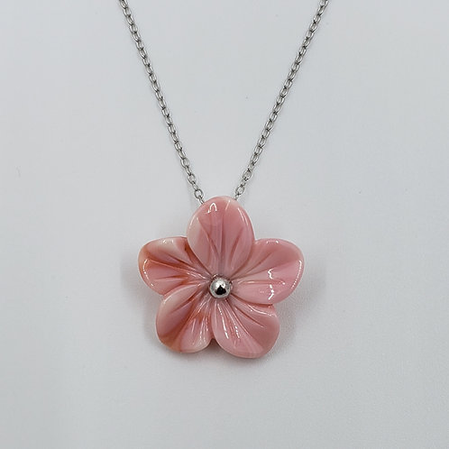 Conch Shell Flower Necklace