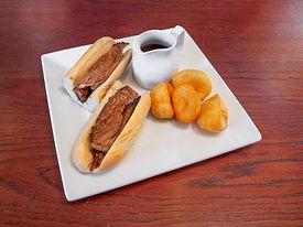112167_TheIslandPool_Food_BeefSandwichMe