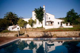 La casa desde la piscina