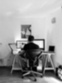office-932926_1920_edited.jpg