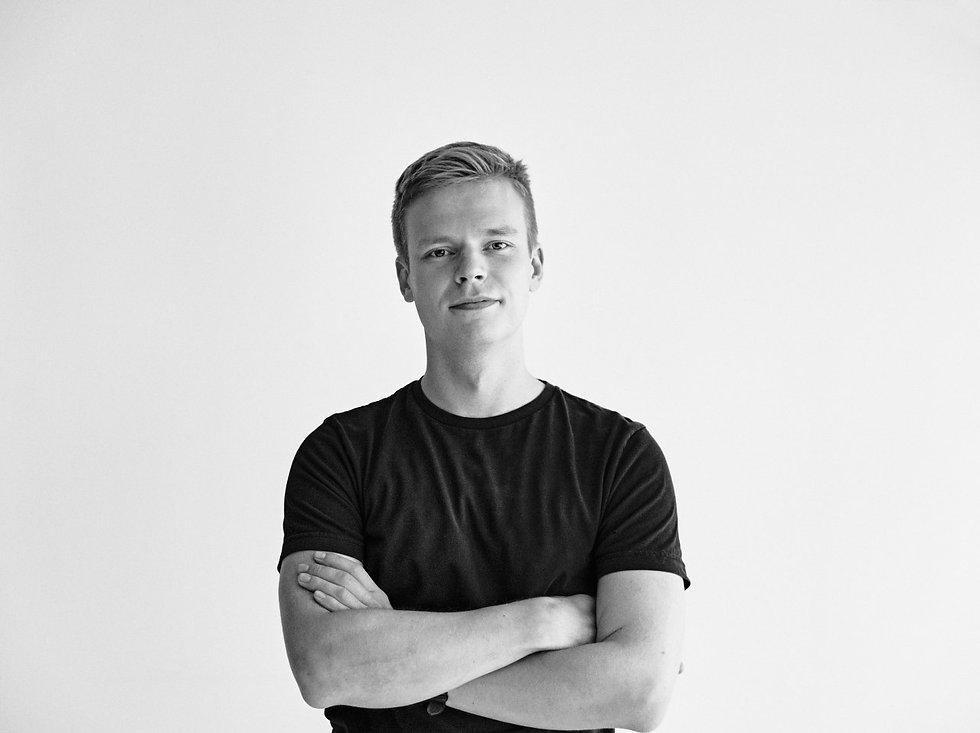 Mustavalkoinen kuva Jaakko Impiöstä. Tasteryn perustaja.