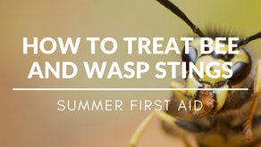How To Treat Bee / Wasp Stings - Summer First Aid