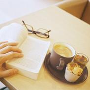 コーヒーと読書.jpeg