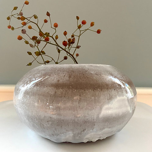 Small white paperwhite pot with crystal glaze