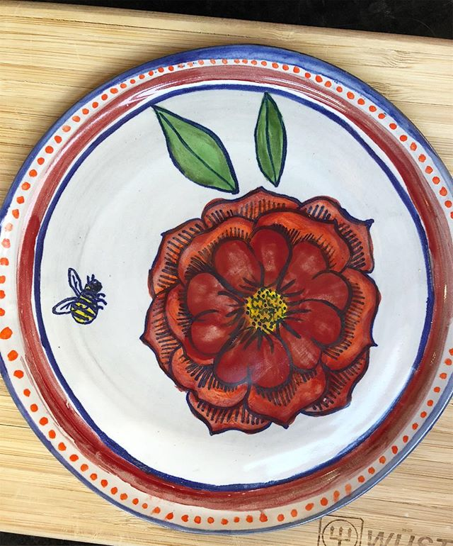 ❤️🐝🌼 #ceramics #pottery #potter #cone6
