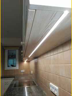 Luces LED integradas en módulos altos