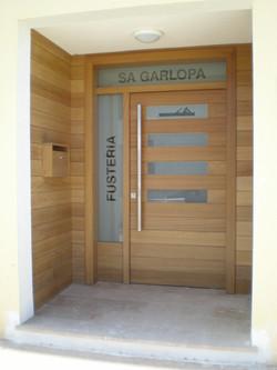 Puerta entrada Fusteria Sa Garlopa
