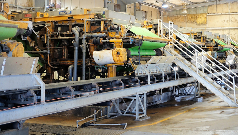 Municipal plant sludge dewatering operation.