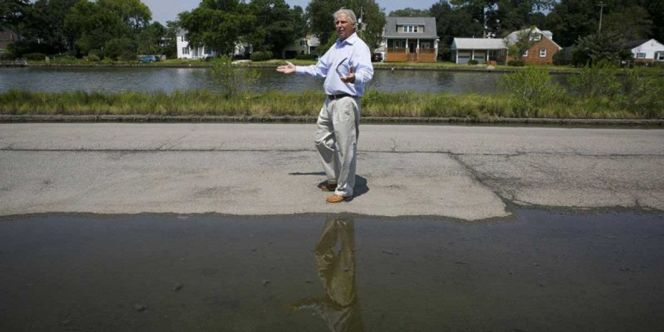 Mike and the puddle2.png