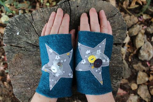 Mitaines bleu canard étoiles fleurettes