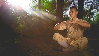 Shaolin Kung Fu Exercise your Mind (Staring Tien Hoang)