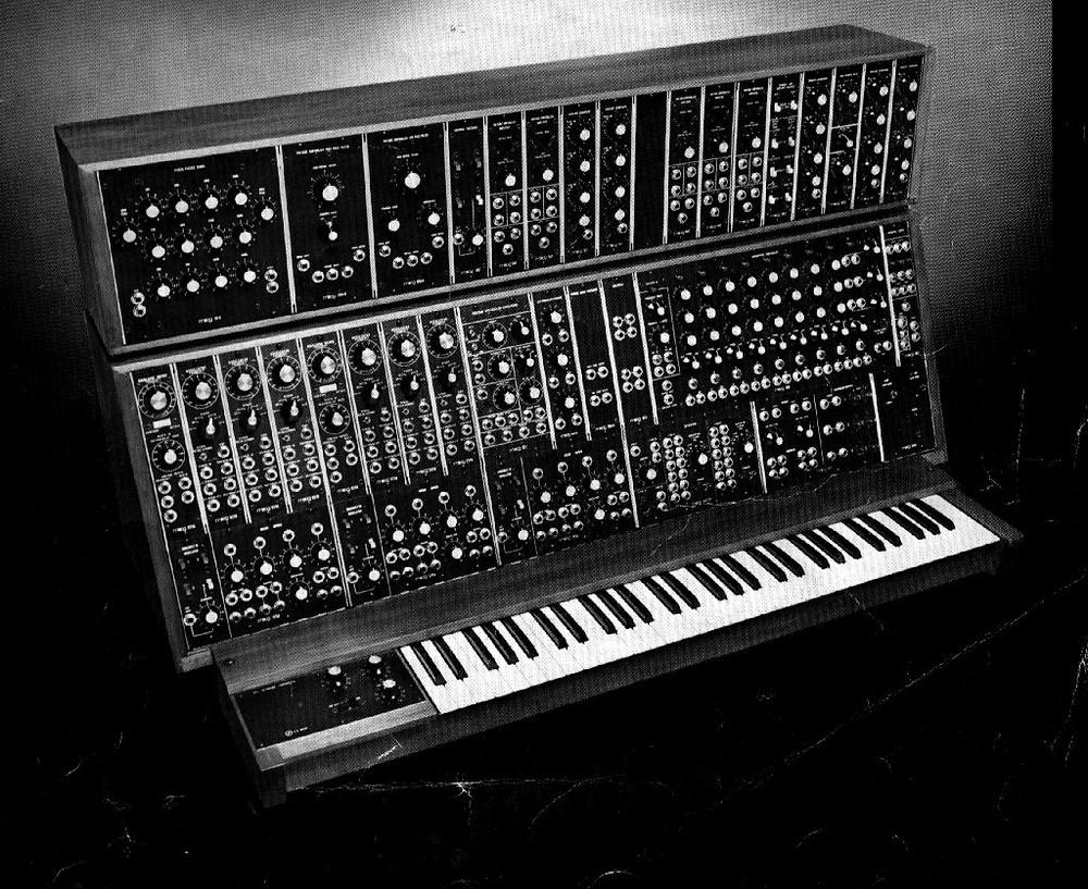 moog-synthesizer.jpg
