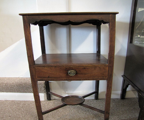 A Georgian Mahogany Washstand Or Lamp Table
