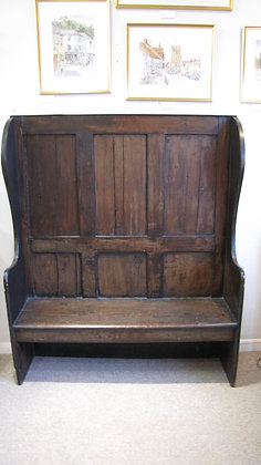 19TH CENTURY ANTIQUE PINE SETTLE.