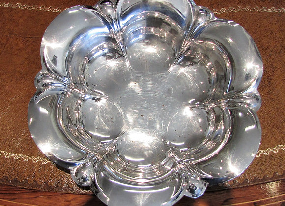 ANTIQUE SILVER TABLE OR FRUIT BOWL