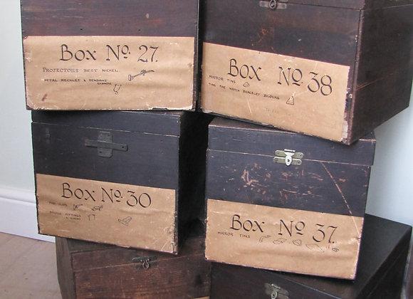 6 Vintage storage boxes