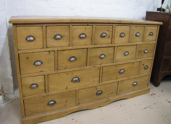 ANTIQUE PINE BANK OF 19 DRAWERS