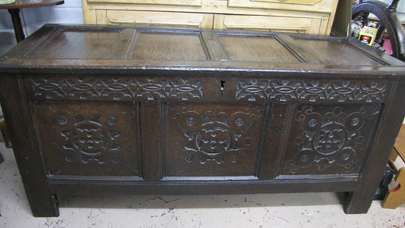 18TH C OAK CARVED COFFER - CARVED FRONT PANELS & FRIEZE