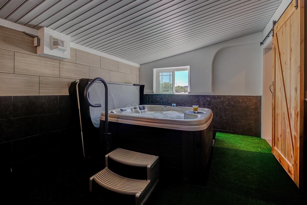 Large Hot Tub & Sauna in Pagosa Springs at RiverWalk Inn