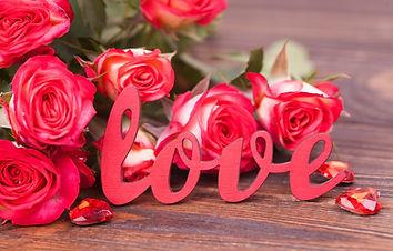 liubov-tsvety-rozy-buket-love-rozovye-pi