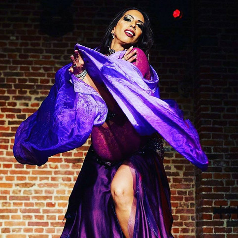 Mayel performs with her love bump at Oriental Romance in Brussels