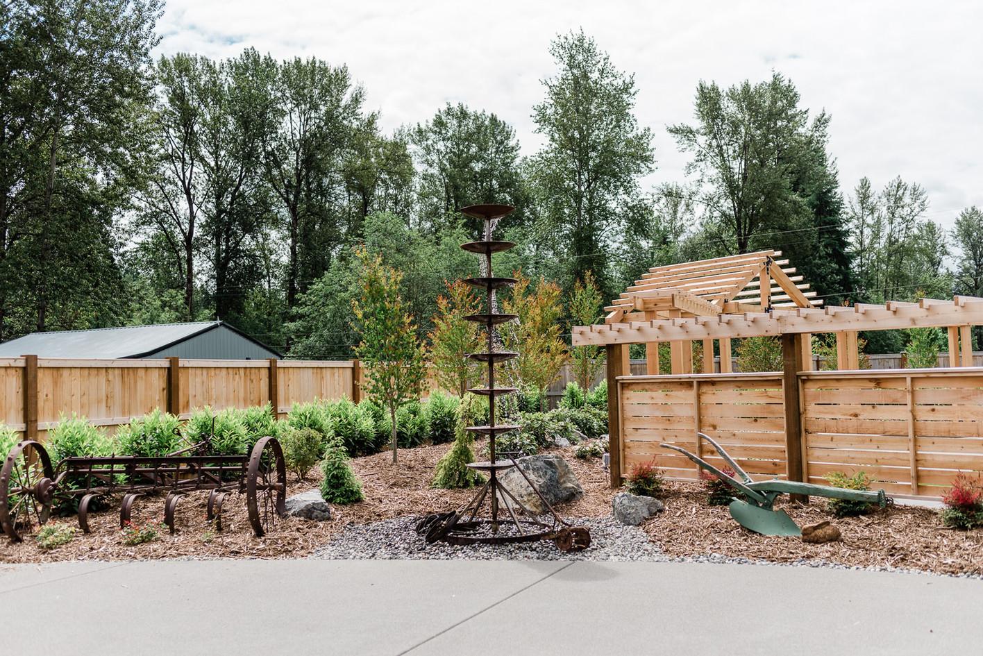 Outdoor Reception Area - Fountain