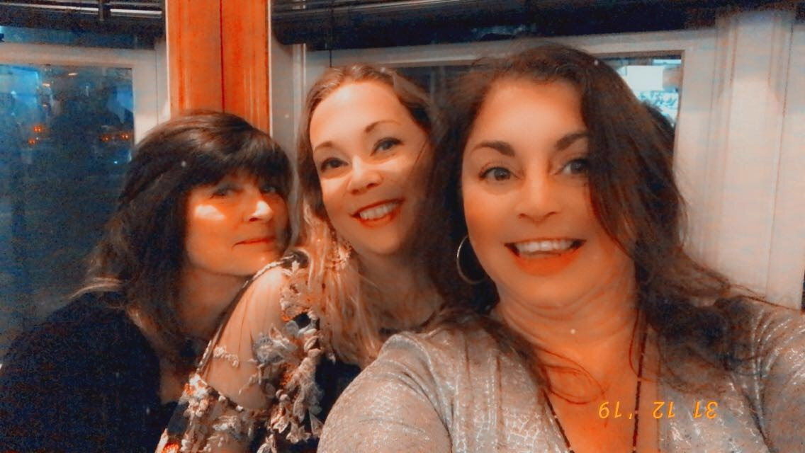 BARROOM GIRLS PROMO PIC DEC 2019.jpg