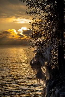 Frozen Sunrise, Cave Point