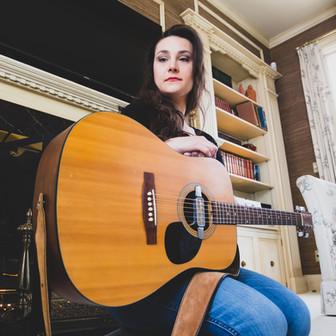 Sarah Larsen, Bluegrass/Folk Musician