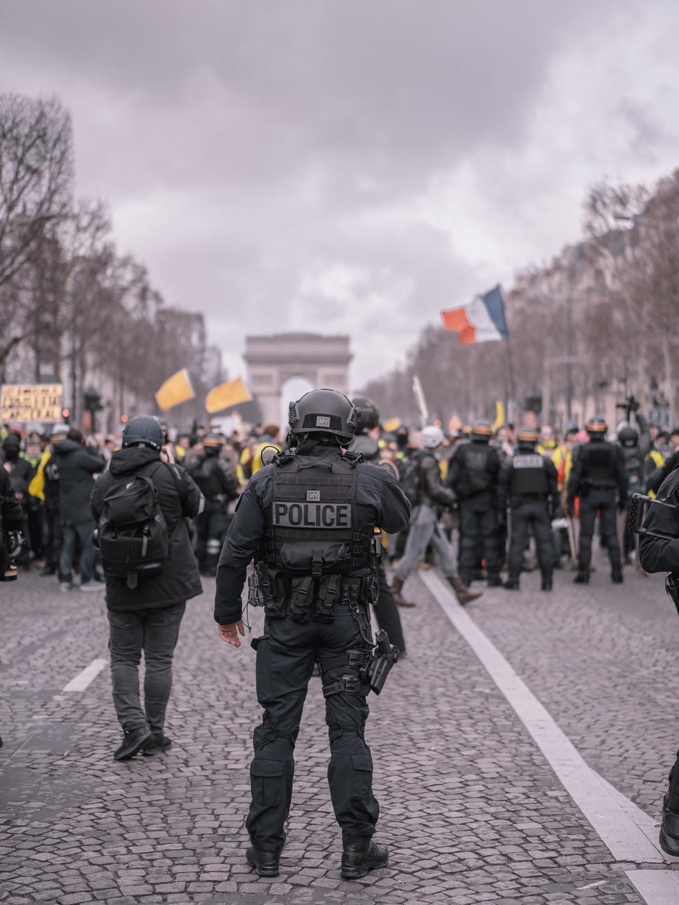 city-crowd-france-2348817.jpg