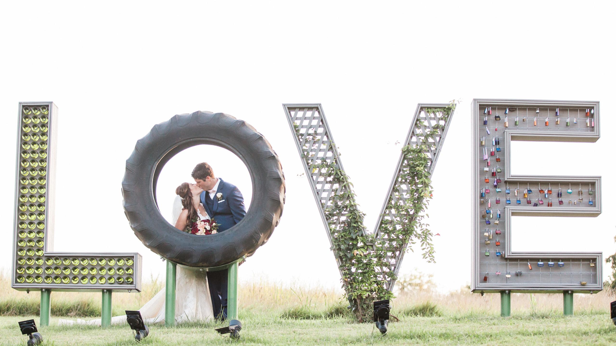 Photo by Amelia Lawrence Weddings - www.amelialawrenceweddings.com