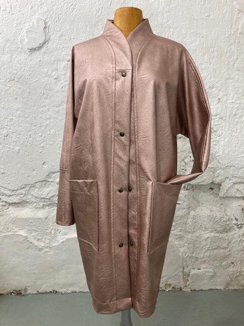 Oudroze metallic jas