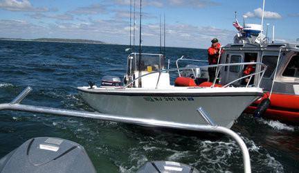 coast-guard-rescuejpg-b064ef0a1c4f5e10_large.jpg