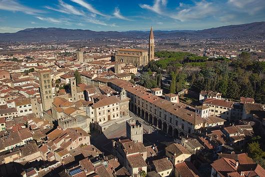 1589107033_Arezzo24.jpg