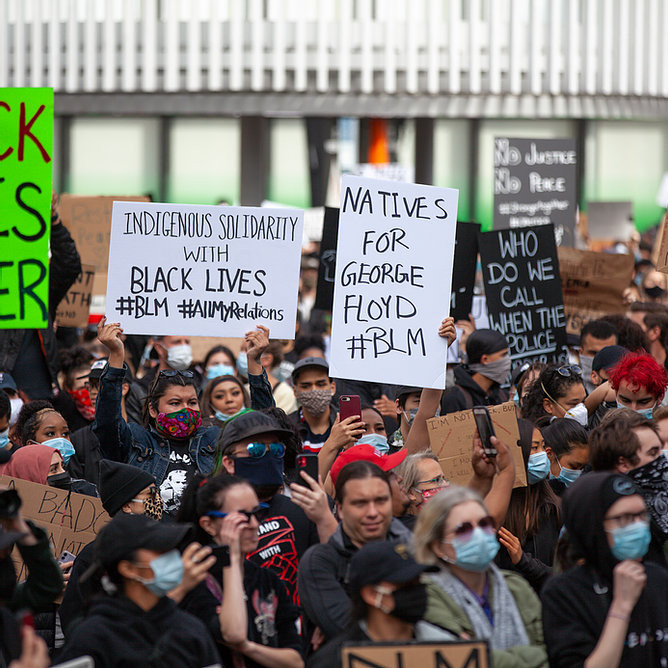 Black Lives Matter rally at the Vancouver Art Gallery after the death of George Floyd (Image Source: GoToVan, May 31st, 2020)